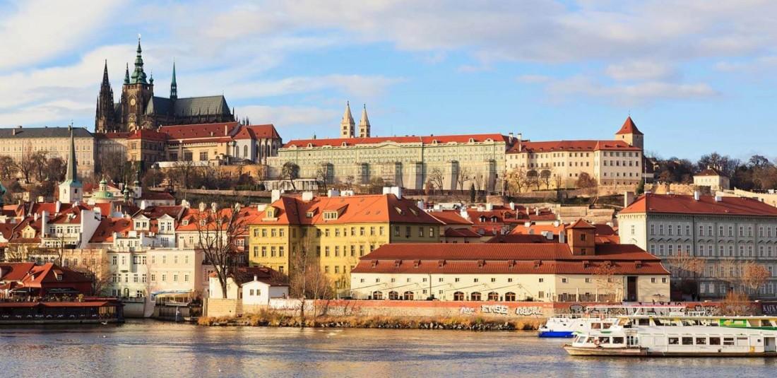 Чехия-самолетни екскурзии