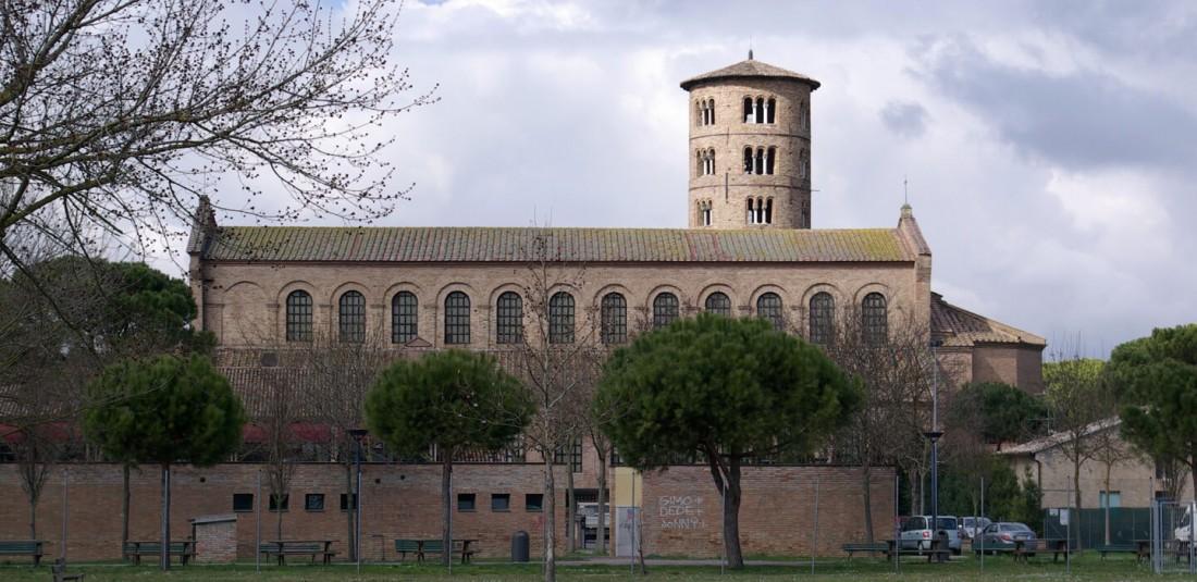 Базиликата Сант Аполинаре ин Класе