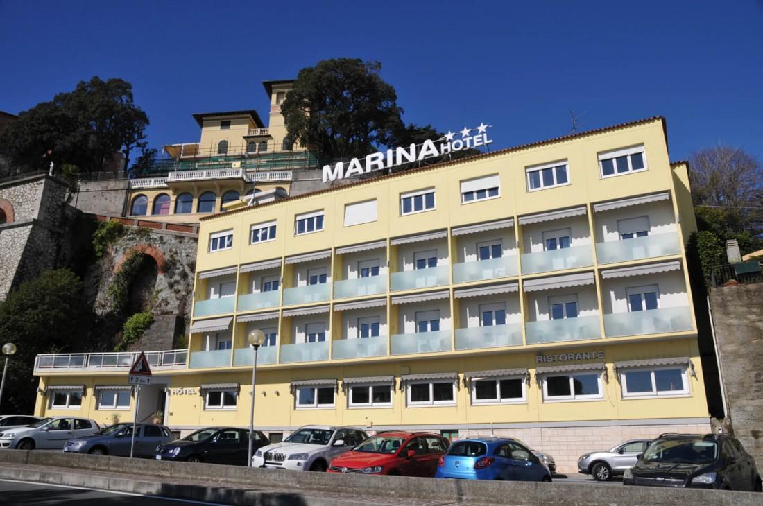 Marina***