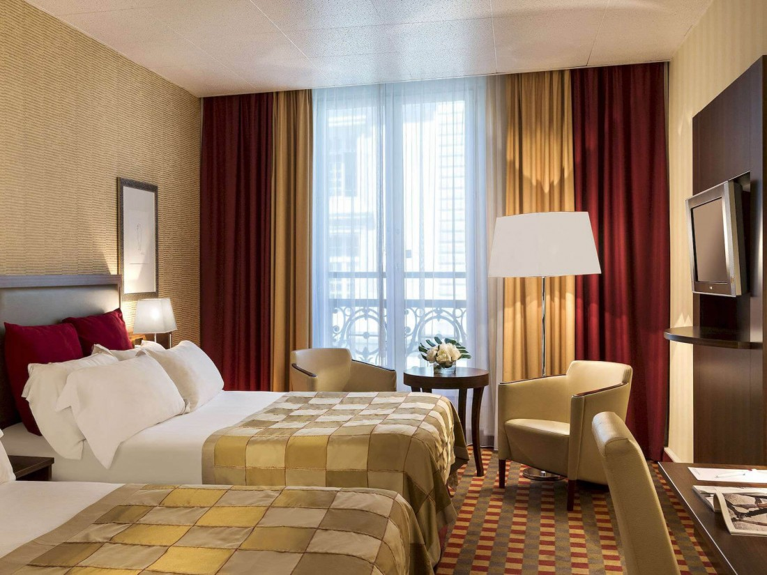 CROWNE PLAZA REPUBLIQUE ****