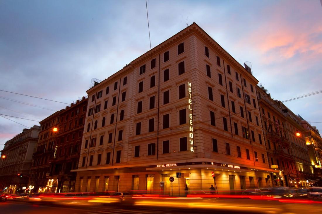 HOTEL GENOVA ****