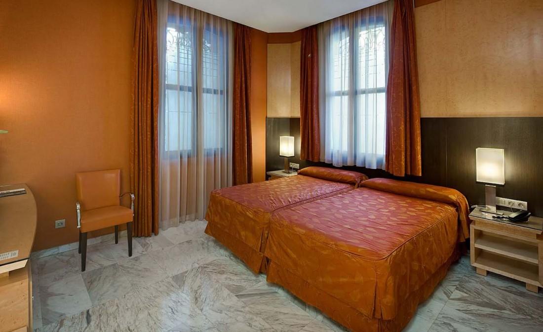 HOTEL MEDINACELI BARCELONA ****