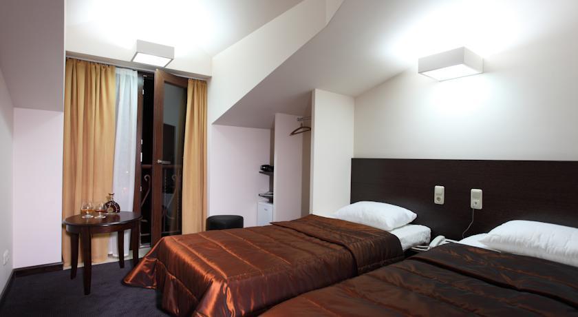 HOTEL CASCADE***