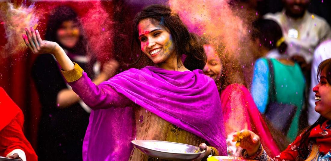 Индия - Фестивалът на цветовете