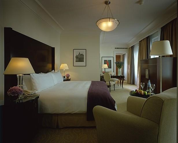 Four Seasons Hotel Gresham Palace 5+*