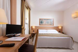 Domus Pacis Torre Rossa Park Hotel***
