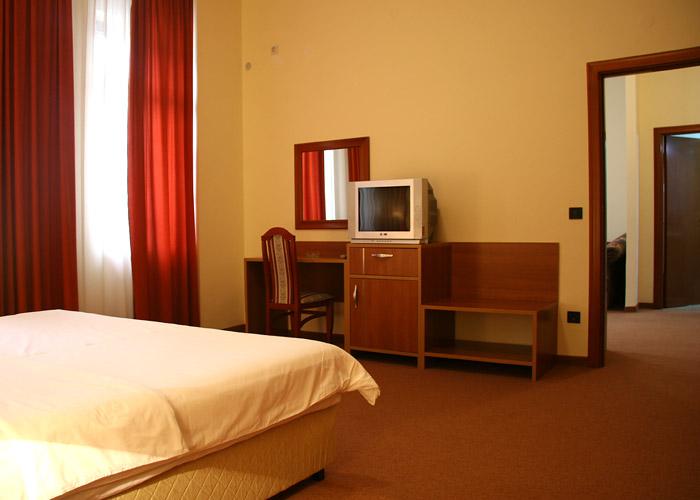 N Hotel***