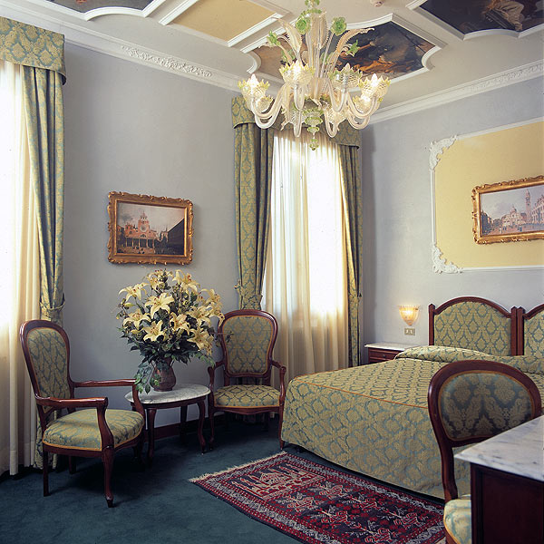 Hotel Pausania***