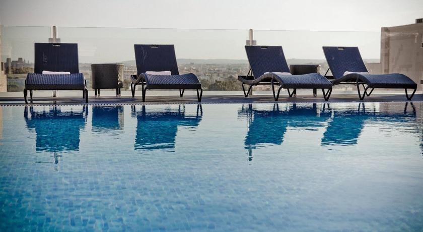 Rocca Nettuno Suites Malta****