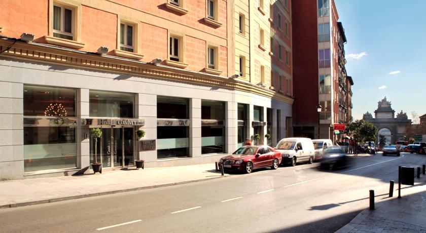 Hotel Ganivet***