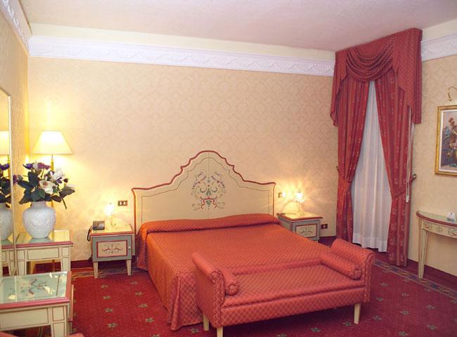 HOTEL GIORGI ***