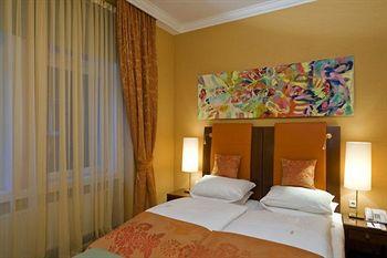 TYROL HOTEL ****