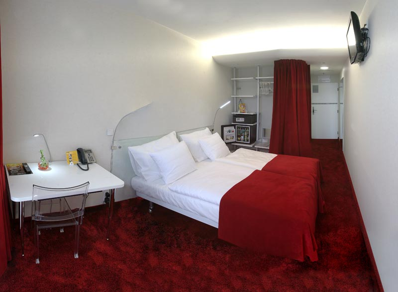 HOTEL METROPOL DESIGN ****