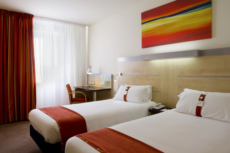 HOLIDAY INN EXPRESS BARCELONA CITY-22@ ***