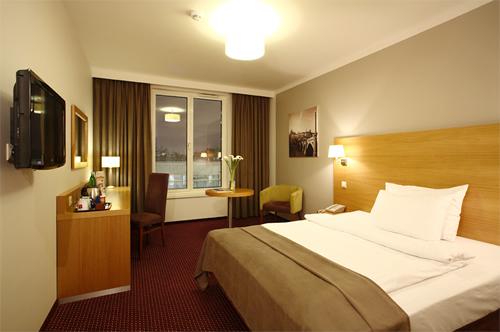 HOTEL JURY`S INN ***