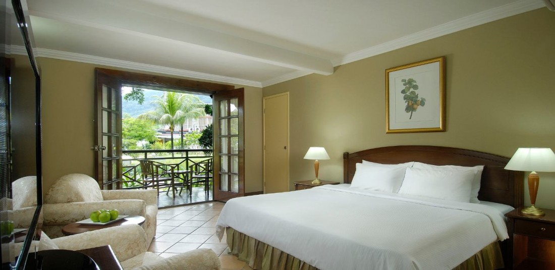 Почивка на Сейшелите - Berjaya Beau Vallon Bay Resort and Casino*** 4