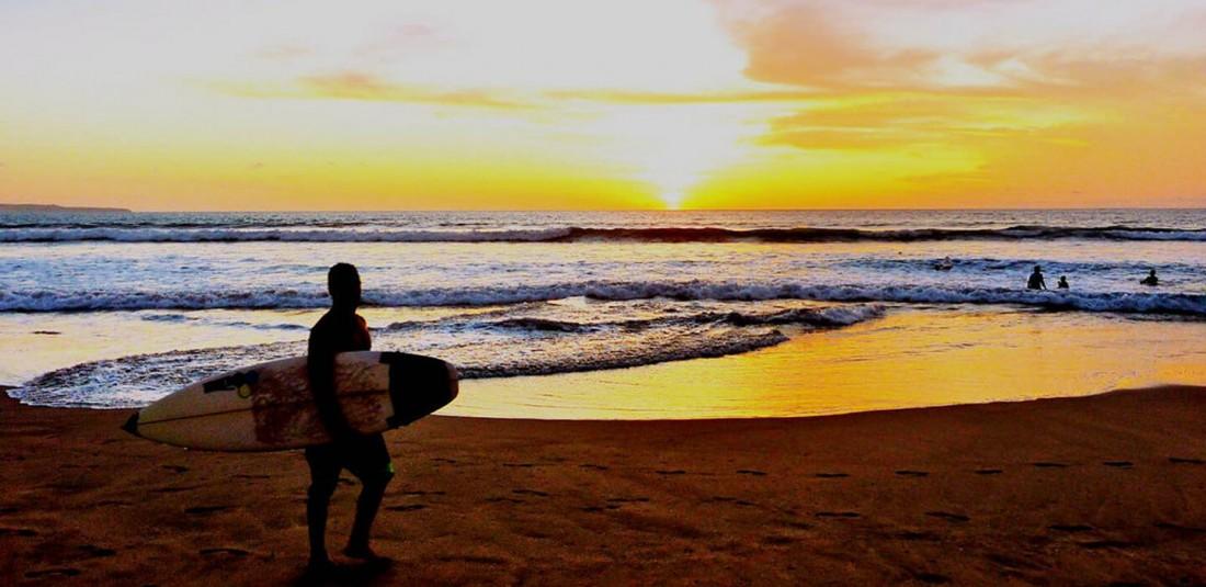 Почивка в Бали - Legian Beach**** 3