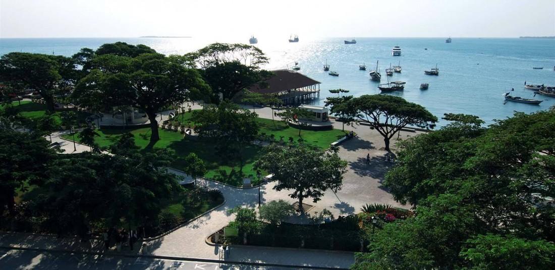 Сафари в Танзания и почивка на остров Занзибар
