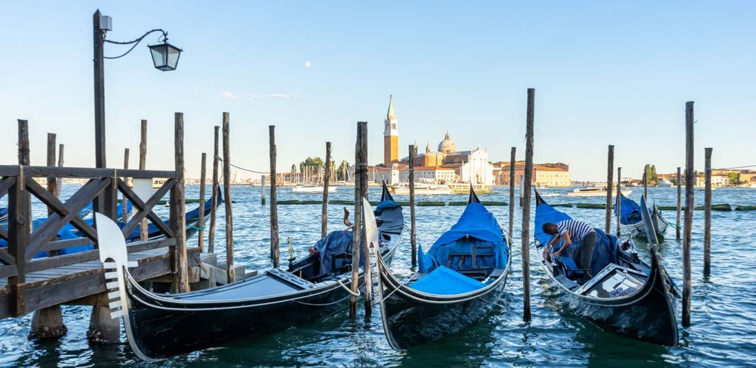 Свети Валентин в карнавална Венеция и Флоренция - самолет