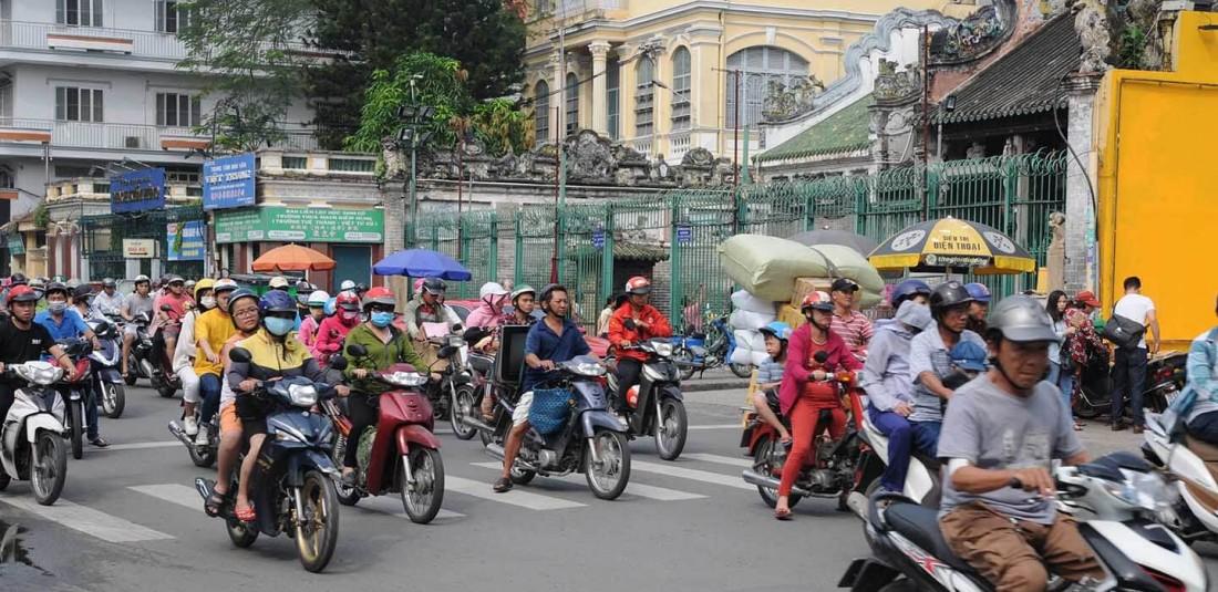 Виетнам и Камбоджа - с нощувка на круизен кораб в залива Халонг 3